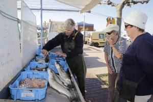 Vente de poissons sur le port