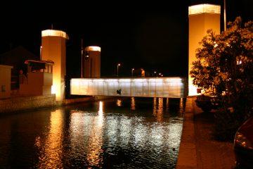 pont mobile frontignan nuit